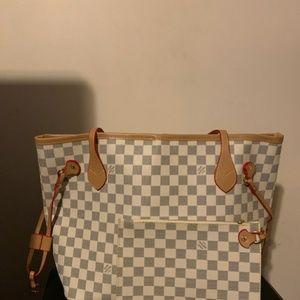 Neverfull Louis Vuitton should bag size MM  cgjgds
